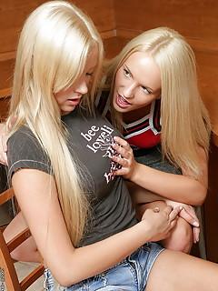 Teen Lesbians Pics