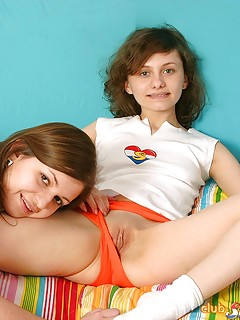 Shaved Lesbian Pussy Pics