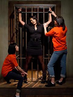 Lesbian Gangbang Pics